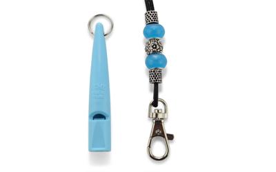 ACME Hundepfeife mit Perlen Pfeifenband, hellblau