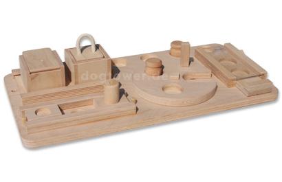 Vielseitiges Hundespielzeug aus Holz für junge und alte Hunde