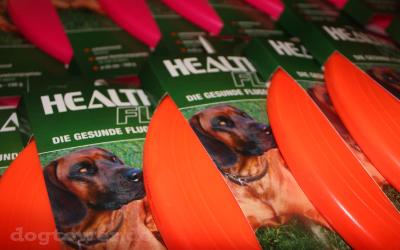 Hundefrisbee, erhältlich in zwei Größen