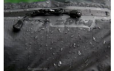 Wasserdichte Regenjacke in schwarz