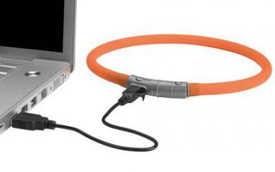 USB-Kabel ermöglicht Aufladen am Computer