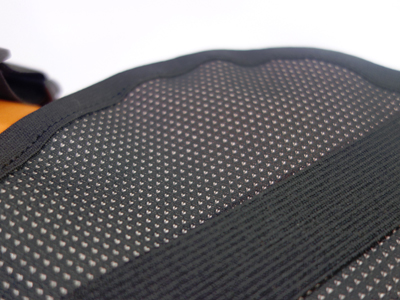 Extra weiche und breite Gummibänder für die Hinterbeine