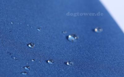 Wind- und wasserdichte Hundekleidung