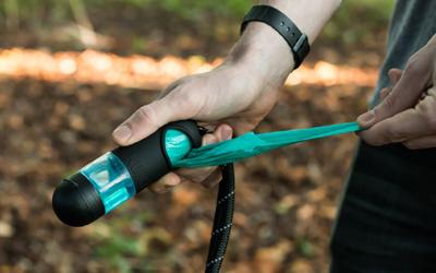 Kotbeutel- und Handdesinfektionsmittelspender + Taschenlampe