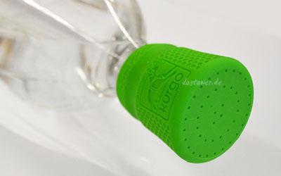 Einfach und schnell auf eine PET Flasche geschraubt