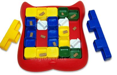 Intelligenzspielzeug aus Kunststoff