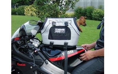 Universaltasche auf dem Motorrad